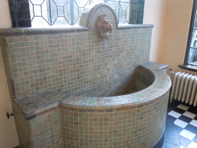 サンルームの壁泉
