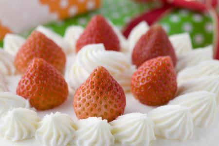 サプライズの誕生日・記念日ケーキのご予約について