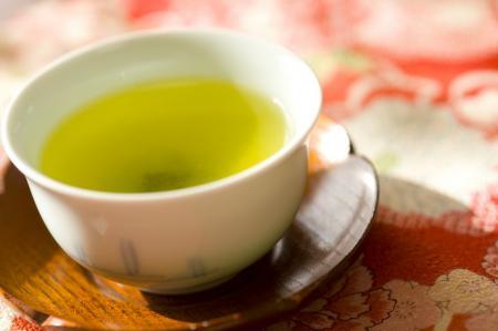 爽やかな香りと旨味の「初物の新茶」頂きました。