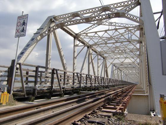 城東貨物赤川橋梁2013-25