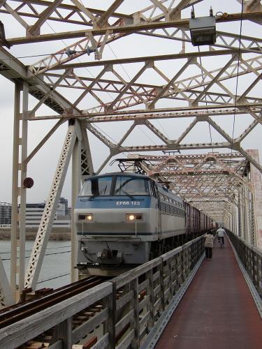 城東貨物赤川橋梁2013-30