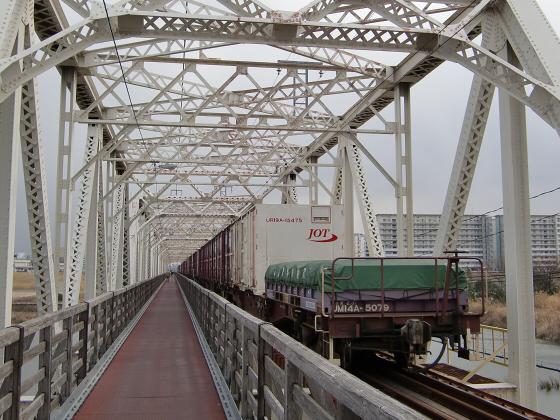城東貨物赤川橋梁2013-31
