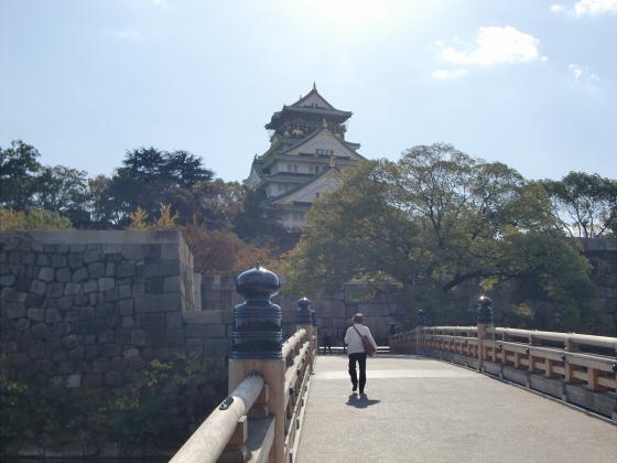 青い大阪城2011_05