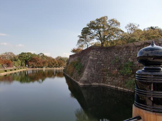 青い大阪城2011_06
