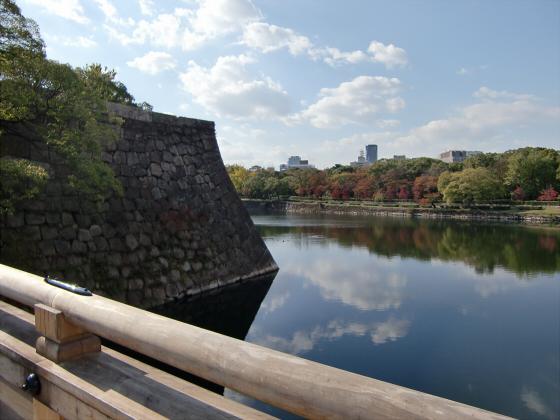 青い大阪城2011_08