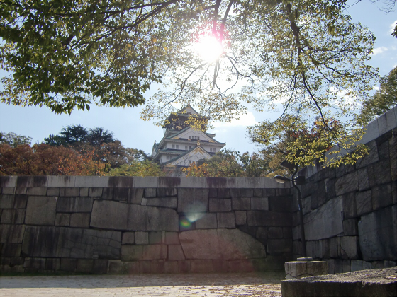 青い大阪城2011_09