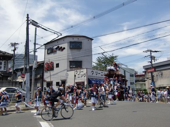 京橋にてだんじり発見01