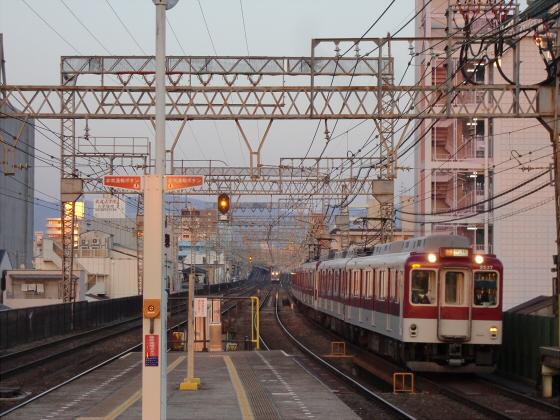 今里駅にて近鉄しまかぜ06