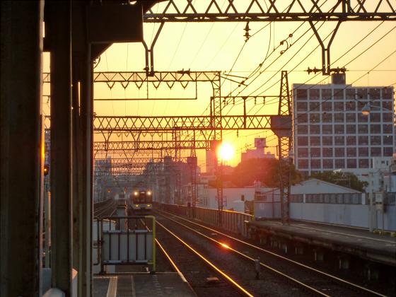 今里駅にて近鉄しまかぜ09