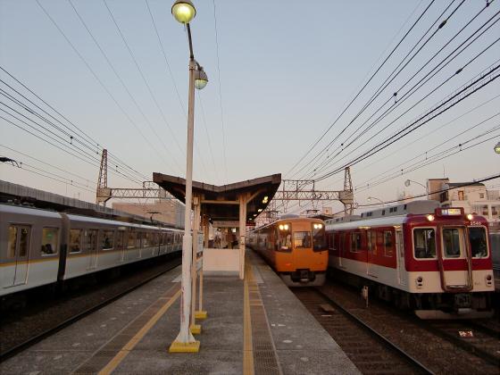 今里駅にて近鉄しまかぜ12