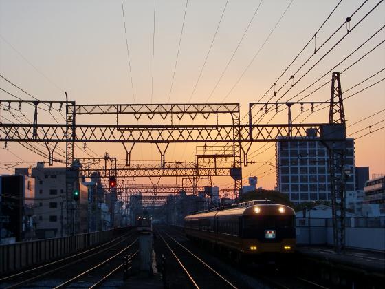 今里駅にて近鉄しまかぜ16