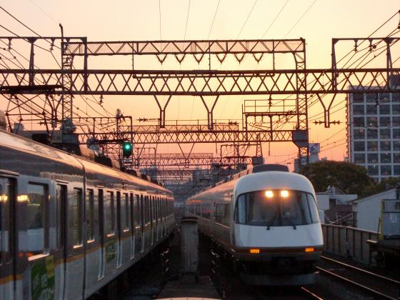 今里駅にて近鉄しまかぜ17