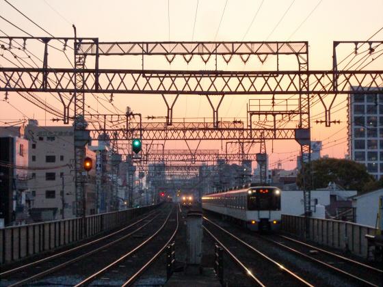 今里駅にて近鉄しまかぜ18