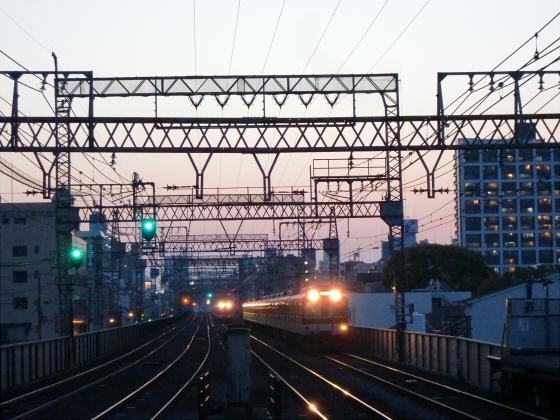今里駅にて近鉄しまかぜ20