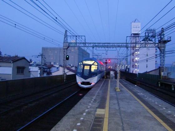 今里駅にて近鉄しまかぜ23