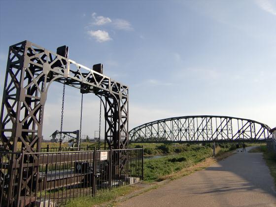 近鉄澱川橋梁08