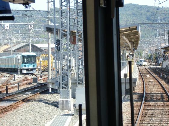 京阪電車の運転席裏から04