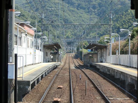 京阪電車の運転席裏から06