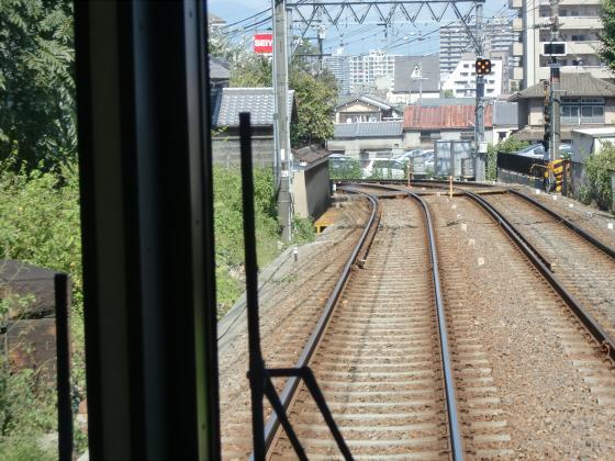 京阪電車の運転席裏から13