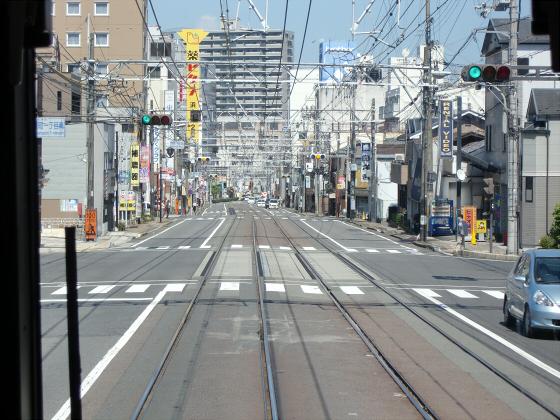 京阪電車の運転席裏から16