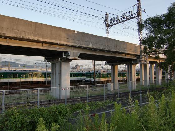 京阪の寝屋川車庫へ04