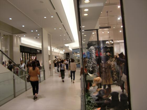 梅田の百貨店・ショッピングモール比較02
