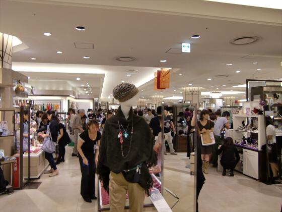 梅田の百貨店・ショッピングモール比較05