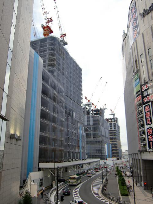 梅田の百貨店・ショッピングモール比較08
