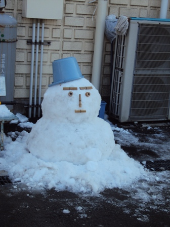 恒例の雪だるま