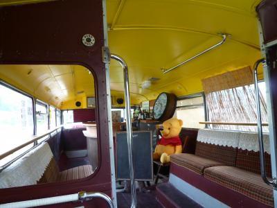 二階建てバス二階