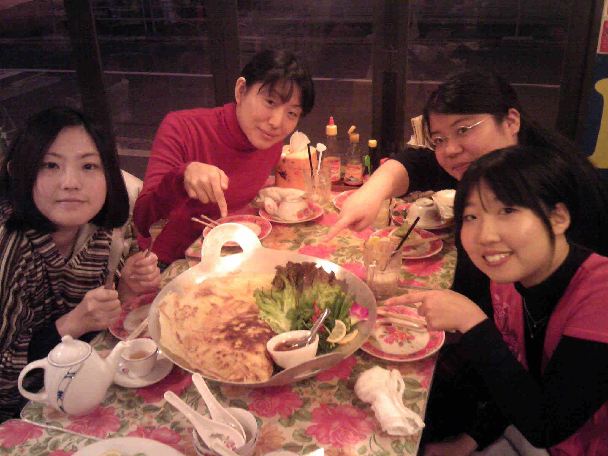 西田ちゃん達とベトナム料理
