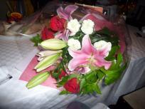 P1010415_convert_20110828013629隼から花束