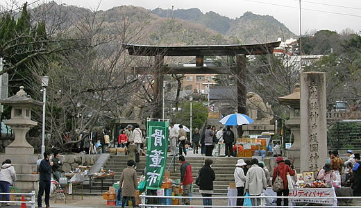 兵庫県神戸護国神社蚤の市-1