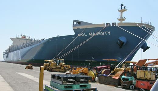 巨大コンテナ船MOL MAJESTY