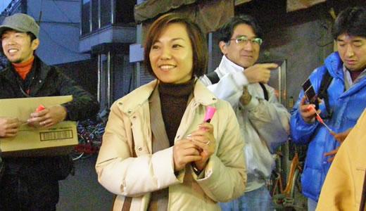 闇市の雰囲気復活か、尼崎横丁のクリスマス-5