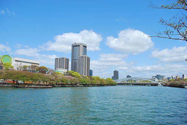 OAPタワー、桜ノ宮銀橋方面