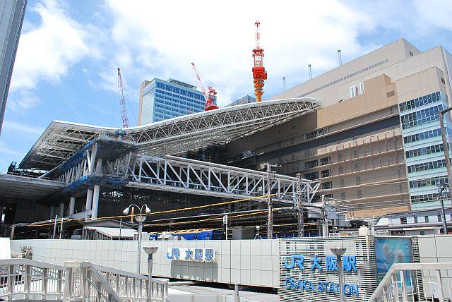 JR大阪駅、こんなデザインいるんやろか?