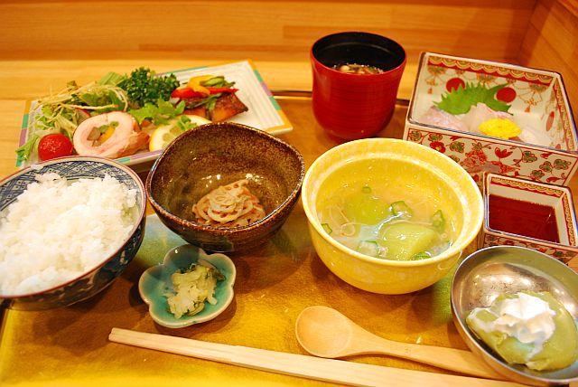 五味五法膳 1000円です。