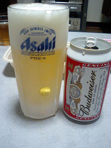 バド、キンキンに冷えたグラス