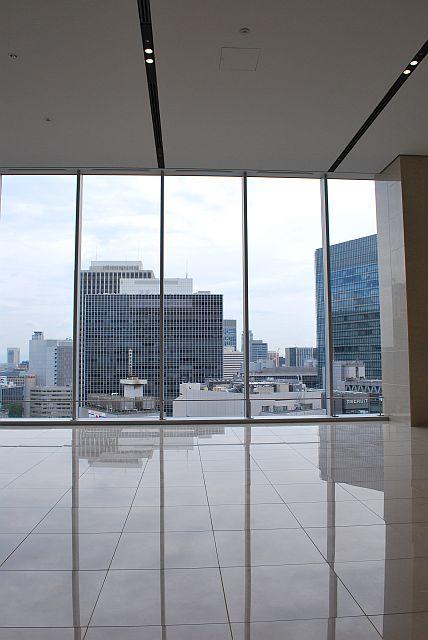 天井まである開放感いっぱいのガラス