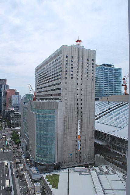 JR大阪駅方面