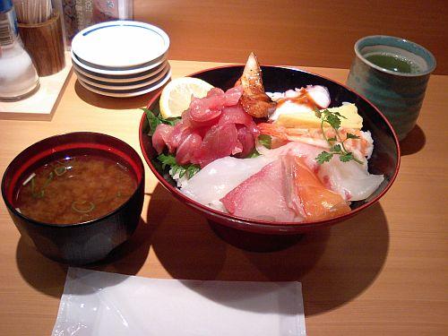 海鮮丼・ご飯大盛