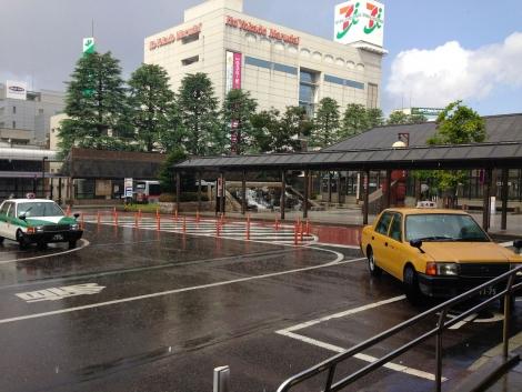 長岡駅で天気雨