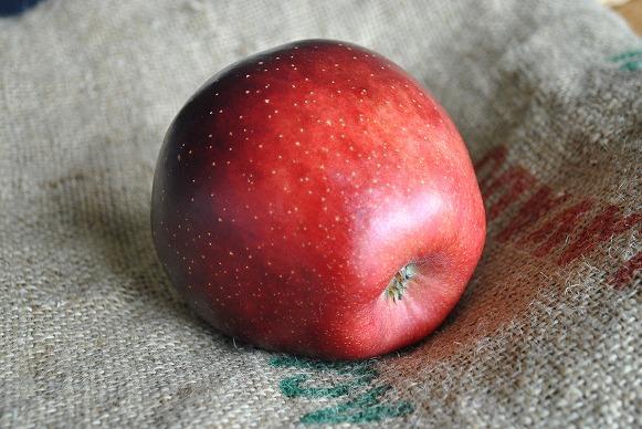 黒りんご3