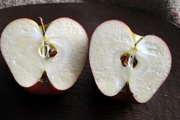 黒りんご4