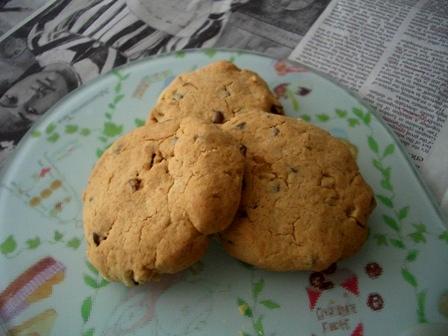 チョコチップナッツ入りソフトクッキー