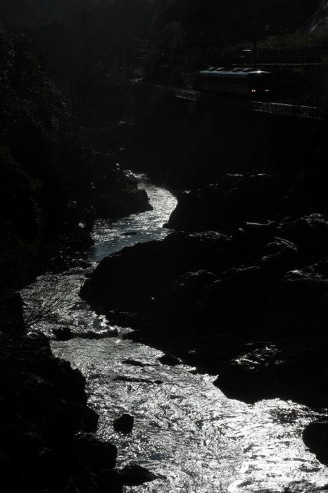 12.12.26 水面輝く 丹波大山~下滝