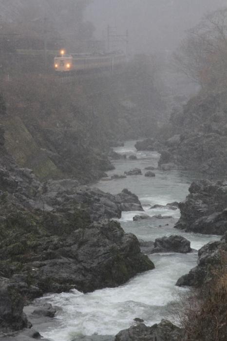 12.12.26 雪降る川代峡谷を行く2 丹波大山~下滝