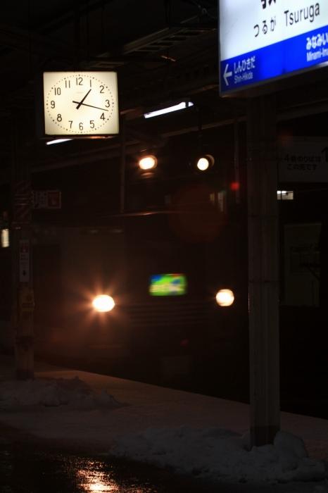 13.01.04 夜の駅に 敦賀駅