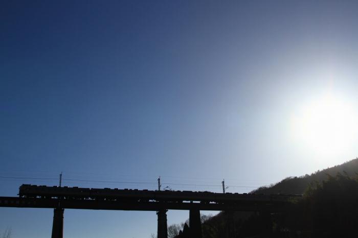 13.03.11 鉄橋を行く 胡麻~下山 レンズフレア除去 17-35F28L